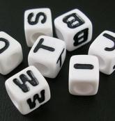 Weiße Kunststoff Buchstabenwürfel Weiß 6x6mm