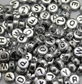250 Buchstabenperlen Silber