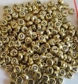 250 Buchstabenperlen Gold