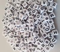 250 Weiße Buchstabenwürfel 6x6mm